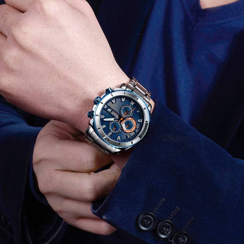 Casual Quartz Wristwatches for Men with Stainless Steel Bracelet