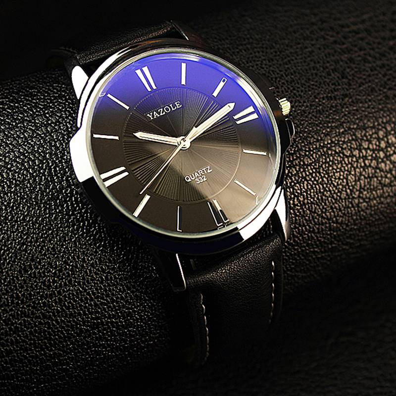 Men's Round Shaped Leather Watch